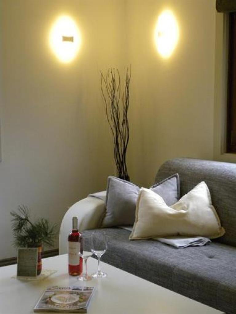 unsere_gemütliche_Couch_im_Wohnzimmer